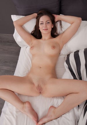 Free Shaved Pussy Porn